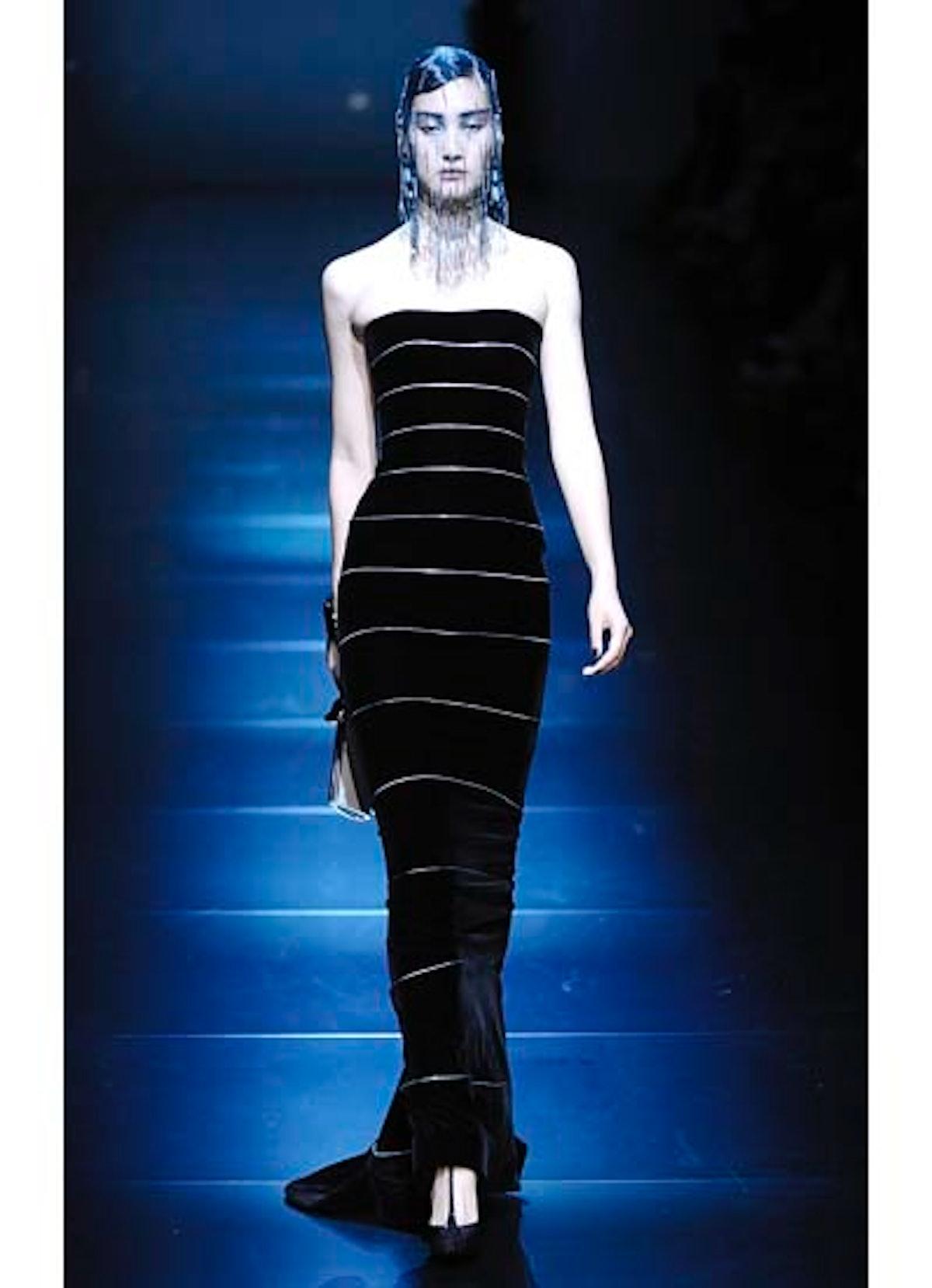 fass-giorgio-armani-couture-2012-runway-44-v.jpg