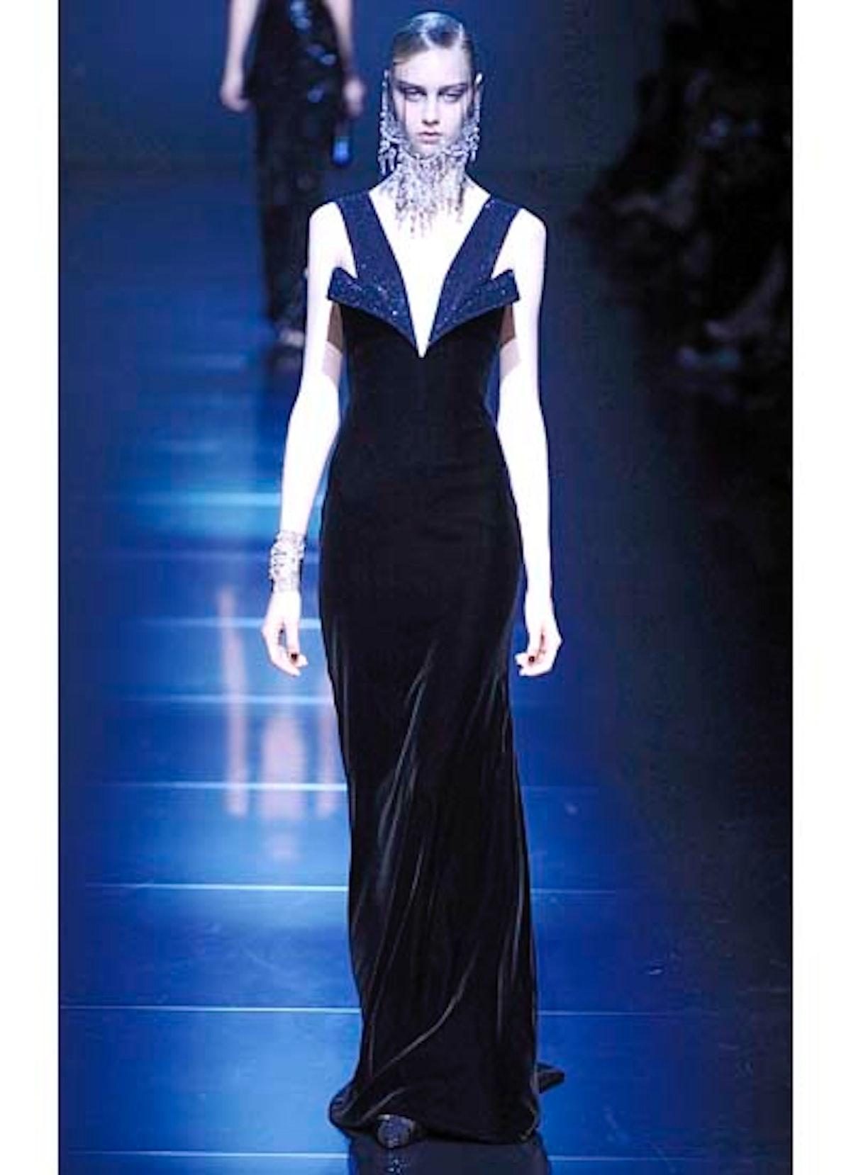 fass-giorgio-armani-couture-2012-runway-47-v.jpg