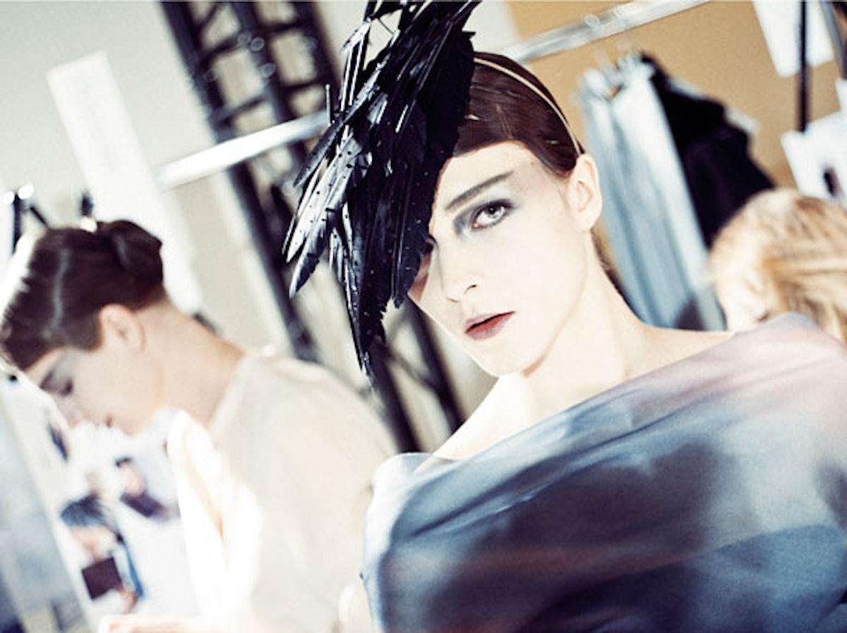 fass-giorgio-armani-couture-2012-backstage-02-h.jpg