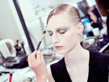 fass-giorgio-armani-couture-2012-backstage-06-h.jpg