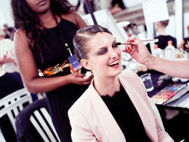 fass-giorgio-armani-couture-2012-backstage-05-h.jpg