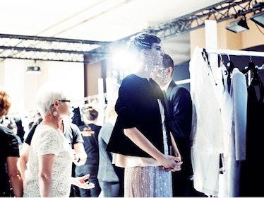 fass-giorgio-armani-couture-2012-backstage-09-h.jpg