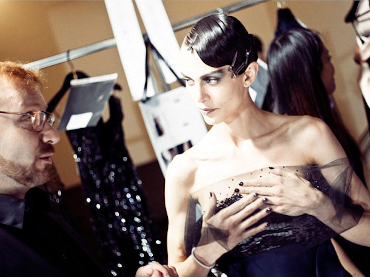 fass-giorgio-armani-couture-2012-backstage-01-h.jpg