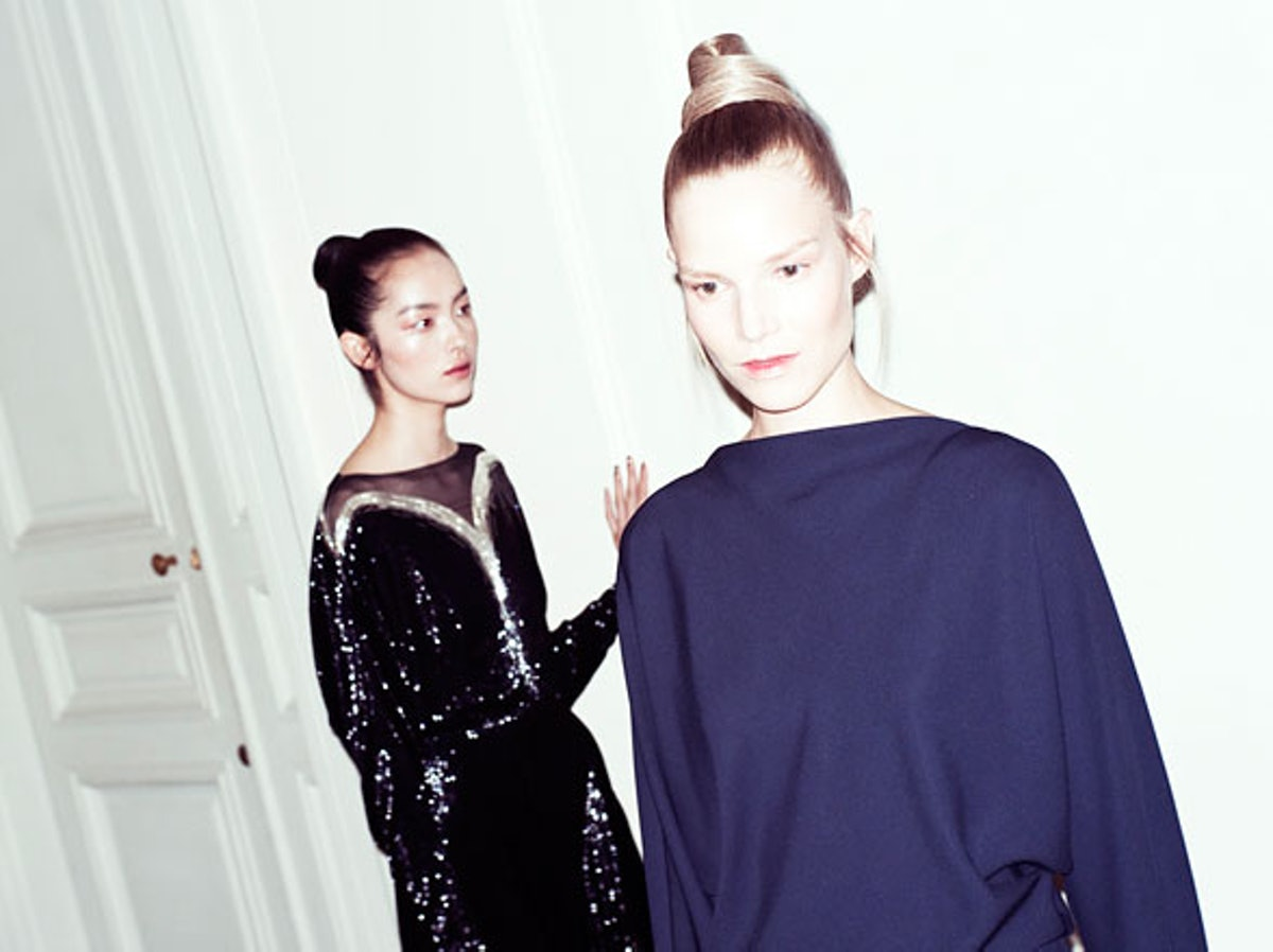 fass-valentino-couture-fall-2012-backstage-runway-09-h.jpg