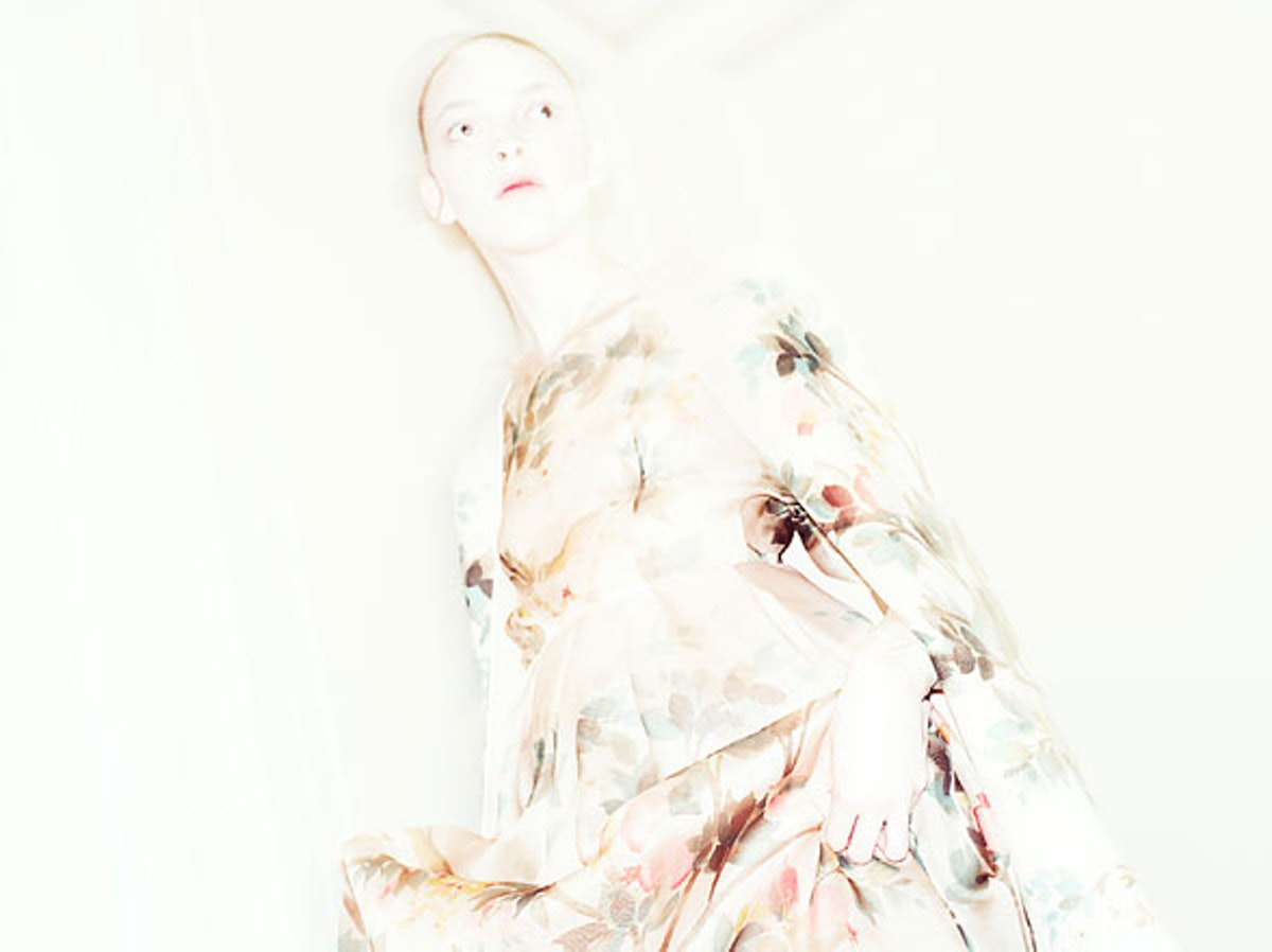 fass-valentino-couture-fall-2012-backstage-runway-10-h.jpg