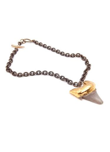 acss-shark-jewelry-02-v.jpg