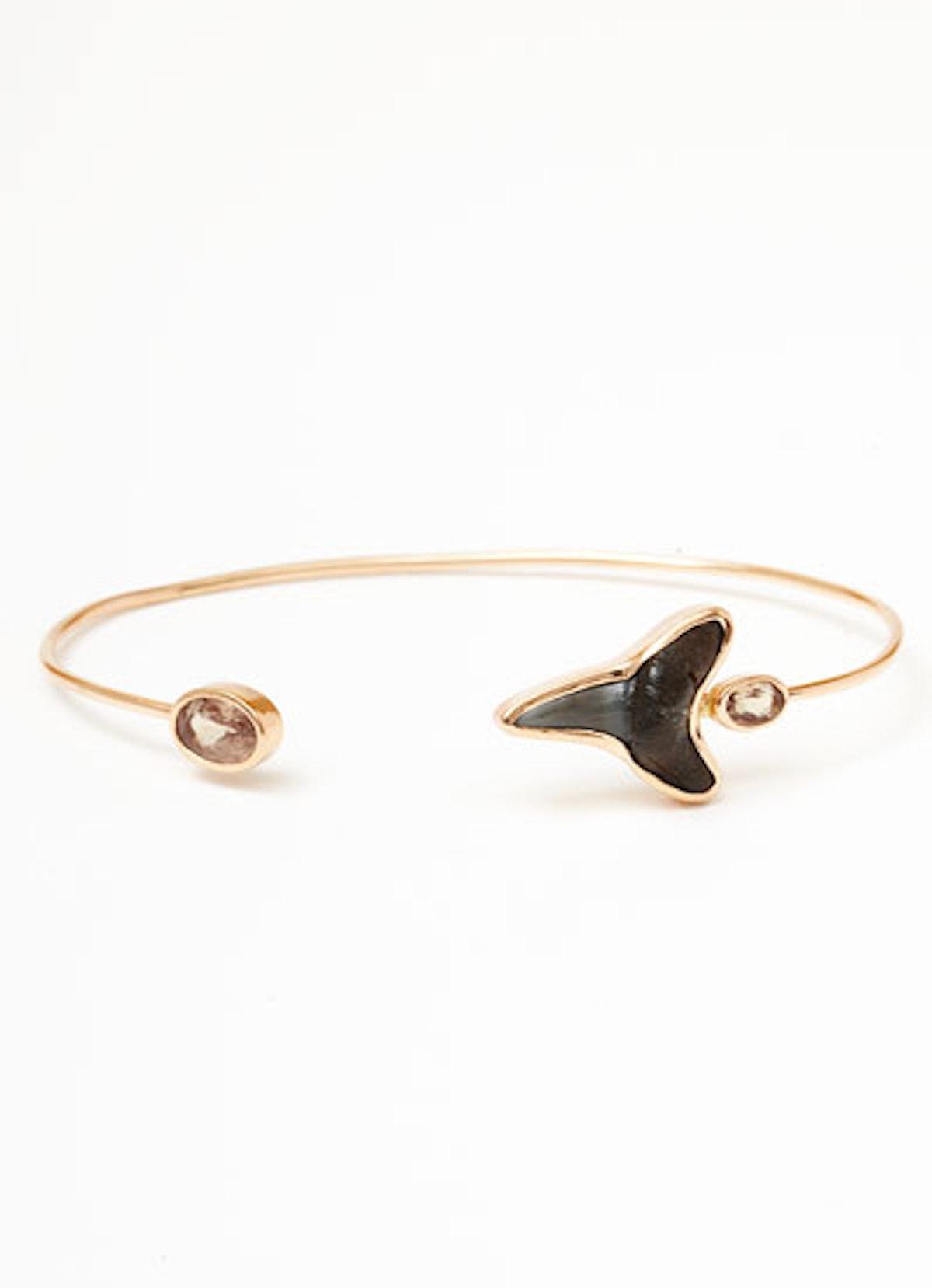 acss-shark-jewelry-04-v.jpg