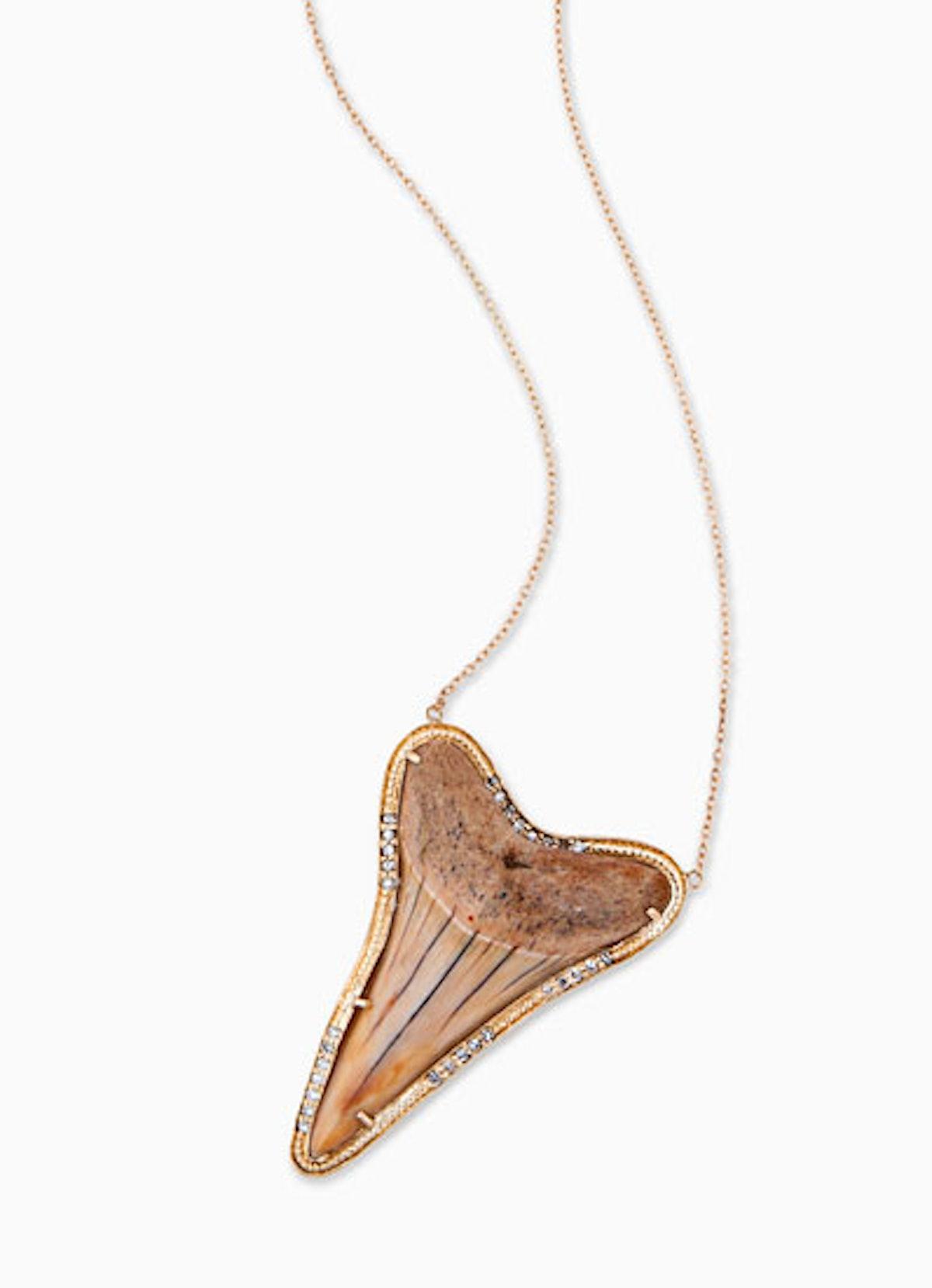 acss-shark-jewelry-08-v.jpg