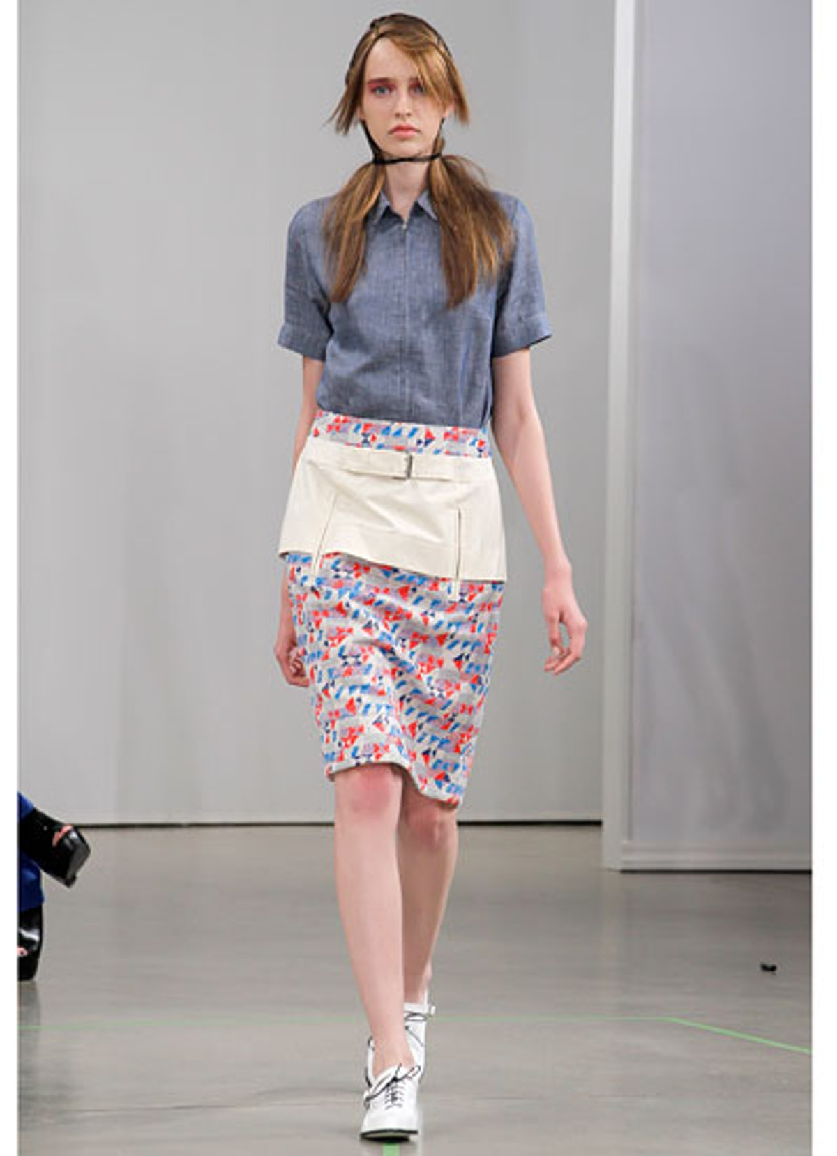 fass-creatures-of-the-wind-spring-2013-runway-04-v.jpg