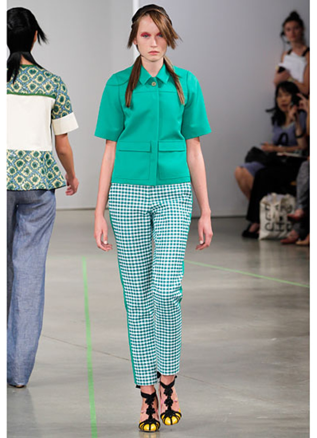 fass-creatures-of-the-wind-spring-2013-runway-20-v.jpg