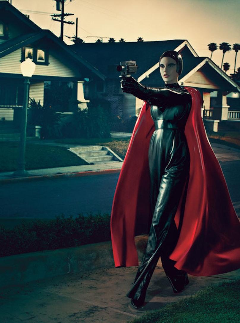 fass-linda-evangelista-steven-klein-superhero-07-l.jpg