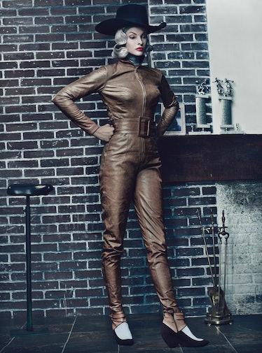 fass-linda-evangelista-steven-klein-superhero-12-l.jpg