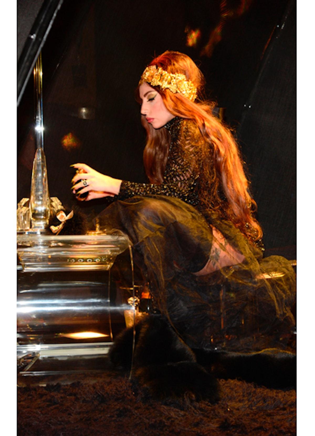 pass-lady-gaga-fame-fragrance-13-v.jpg