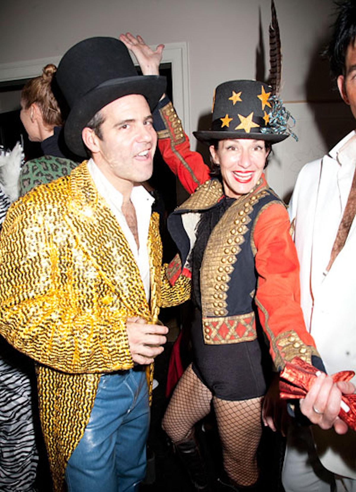 pass-wild-halloween-costumes-24-v.jpg