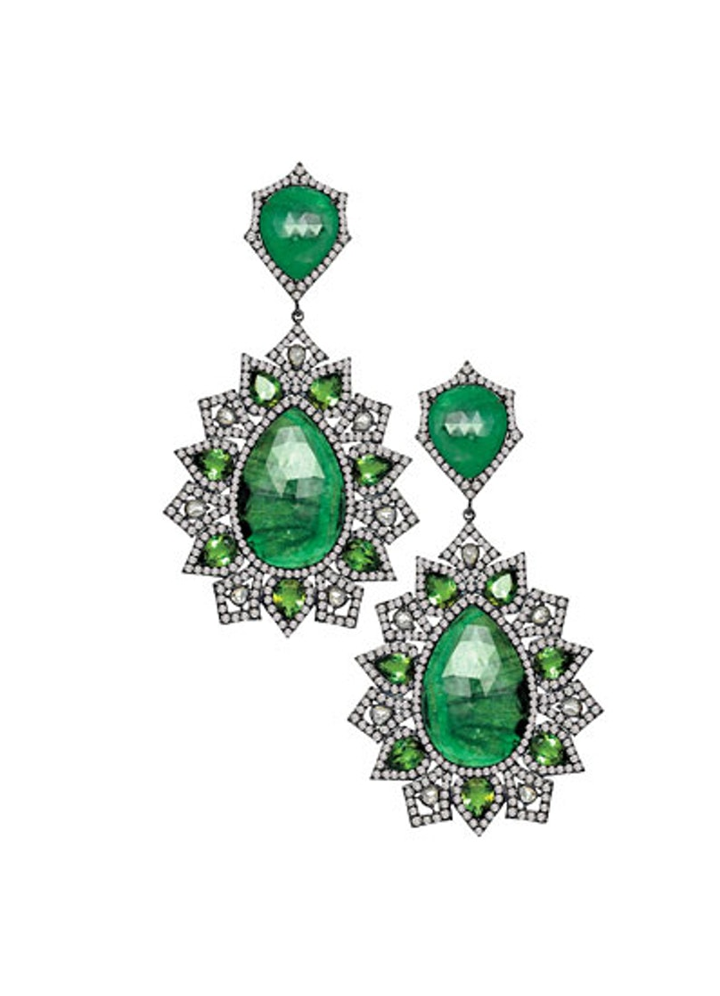 acss-extravagant-jewelry-gifts-17-v.jpg