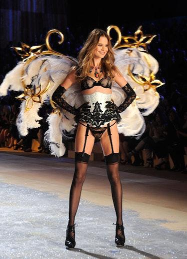 fass-victorias-secret-fashion-show-16-v.jpg