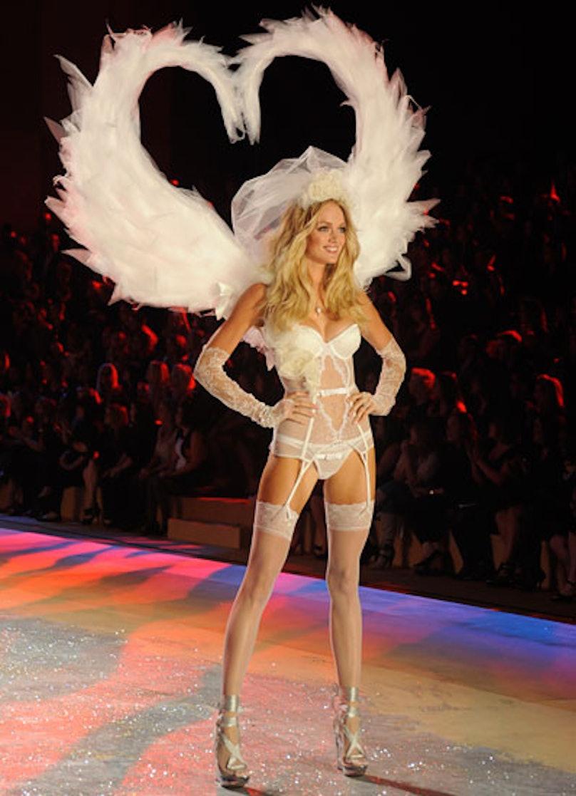 fass-victorias-secret-fashion-show-18-v.jpg
