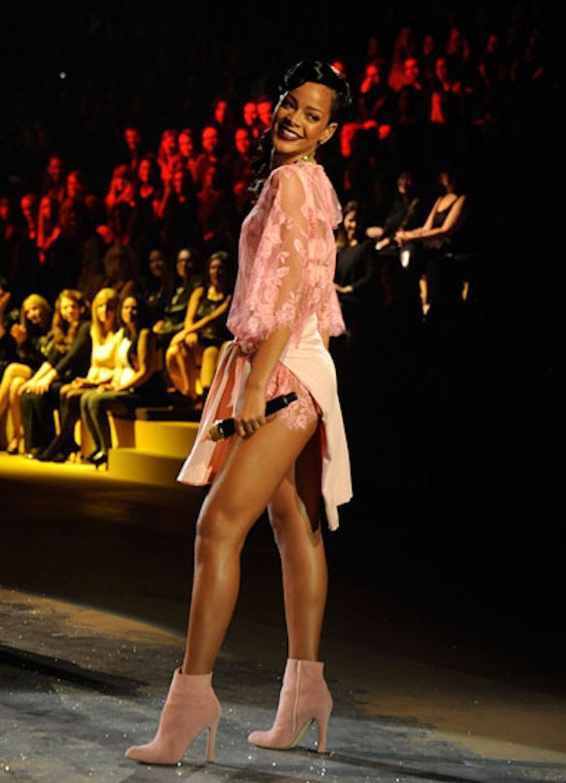 fass-victorias-secret-fashion-show-23-v.jpg