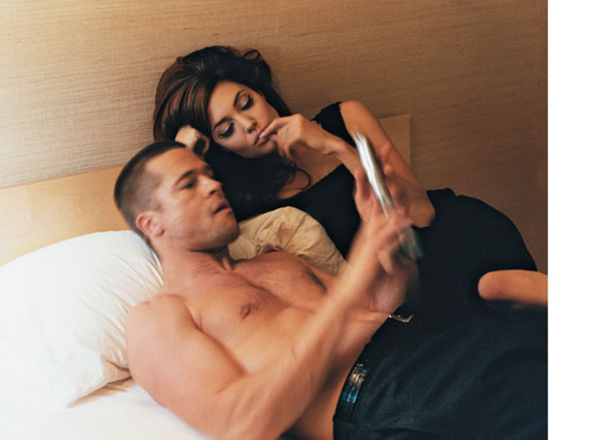 fass-w-archives-in-bed-09-h.jpg