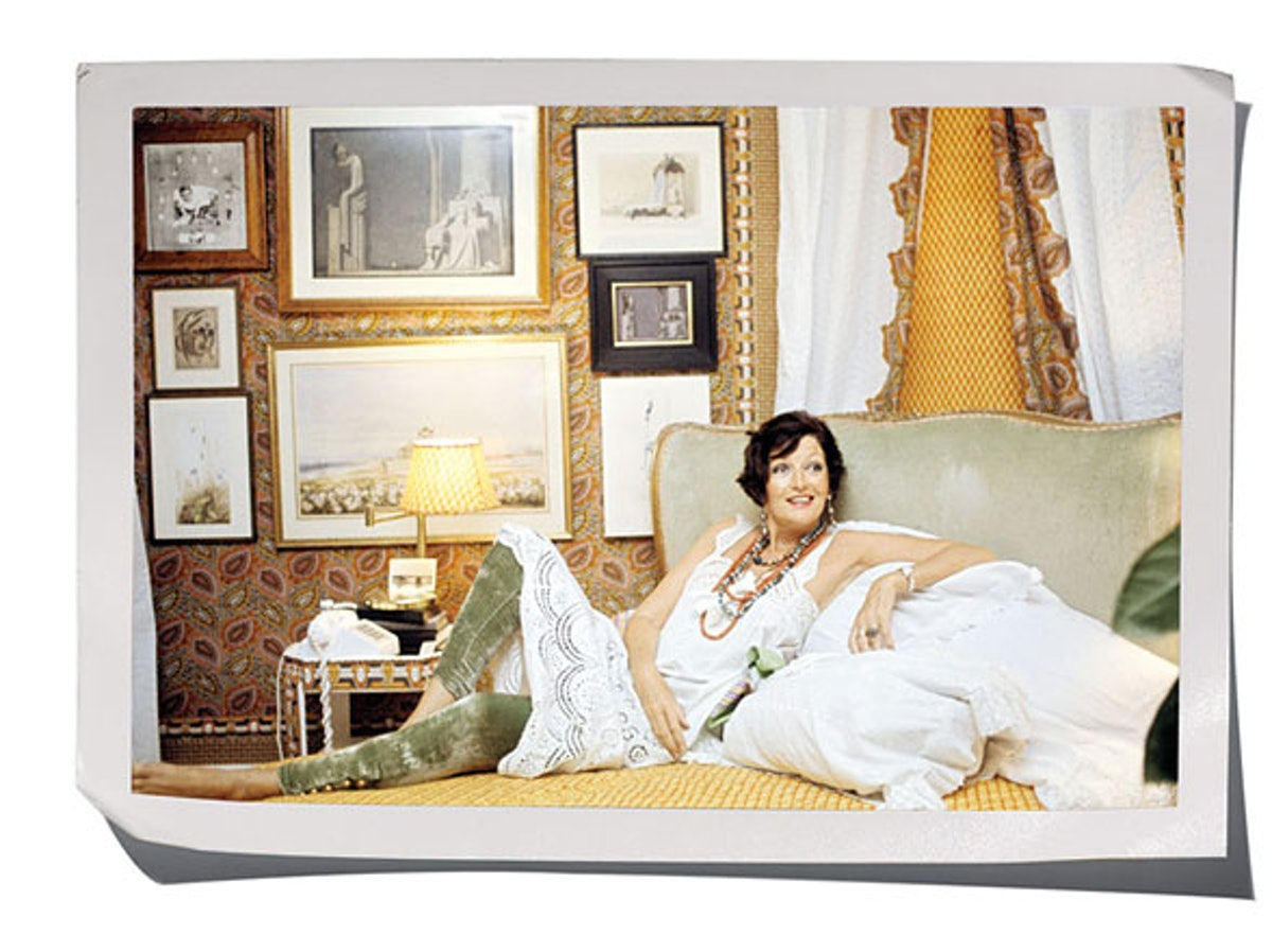 fass-w-archives-in-bed-15-h.jpg