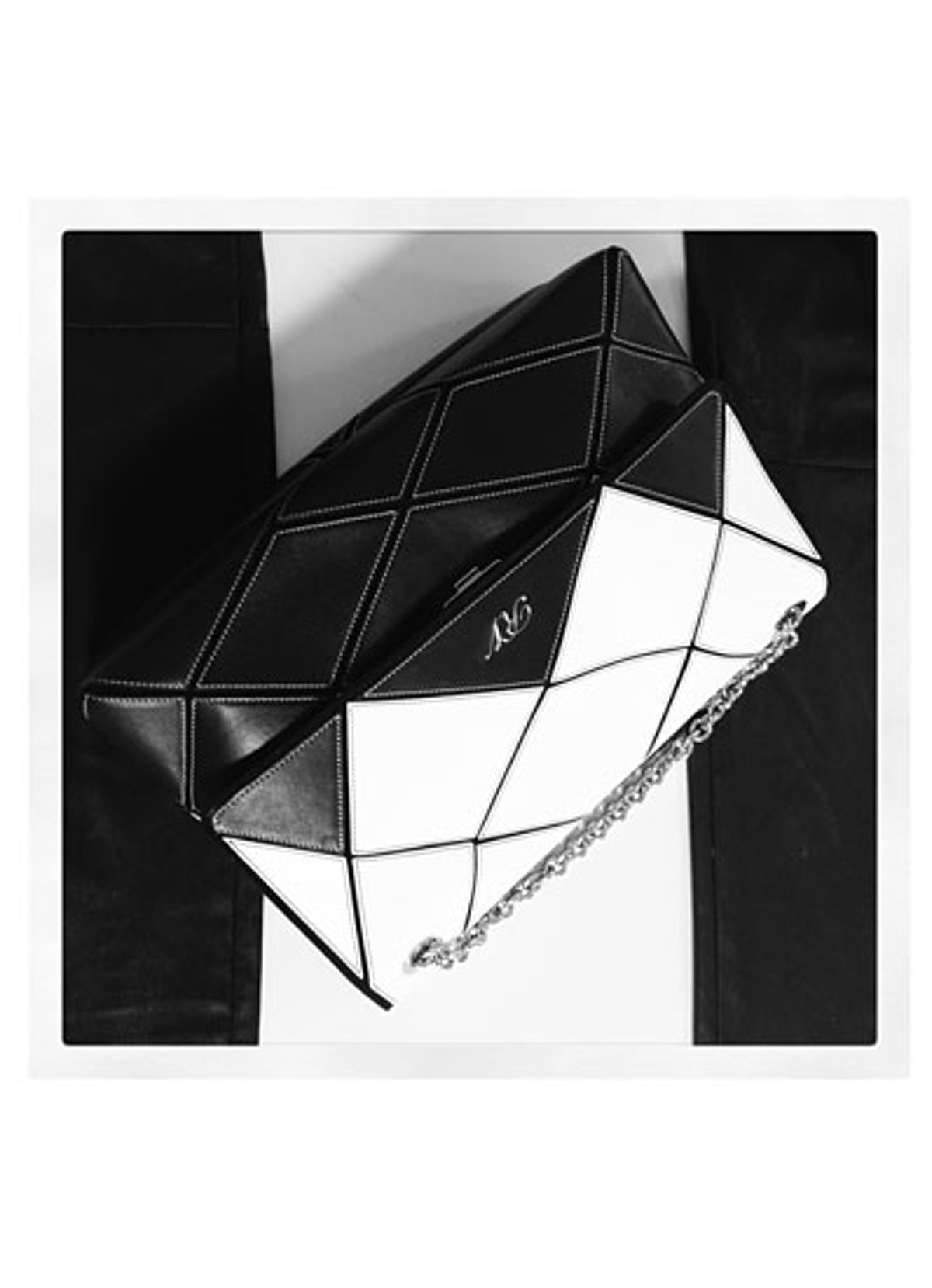 acss-black-and-white-accessories-02-v.jpg