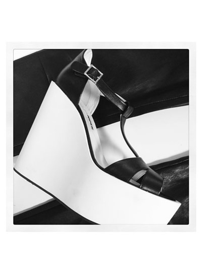 acss-black-and-white-accessories-05-v.jpg