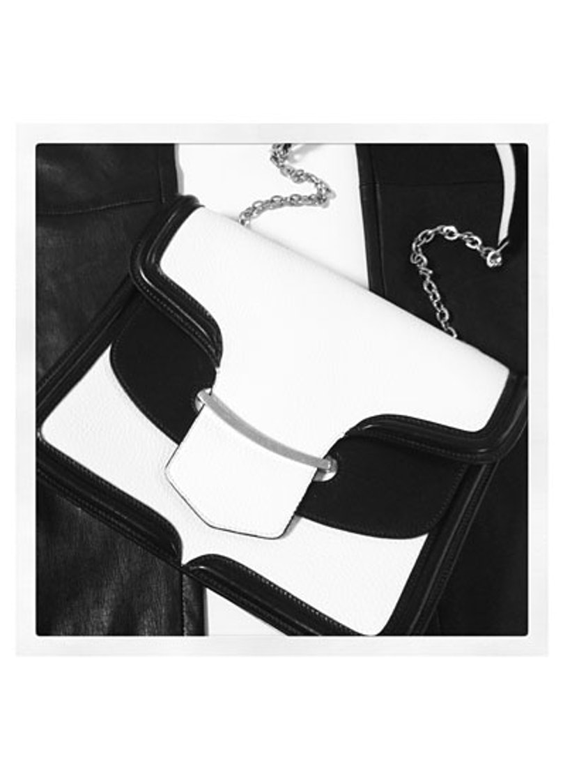 acss-black-and-white-accessories-08-v.jpg