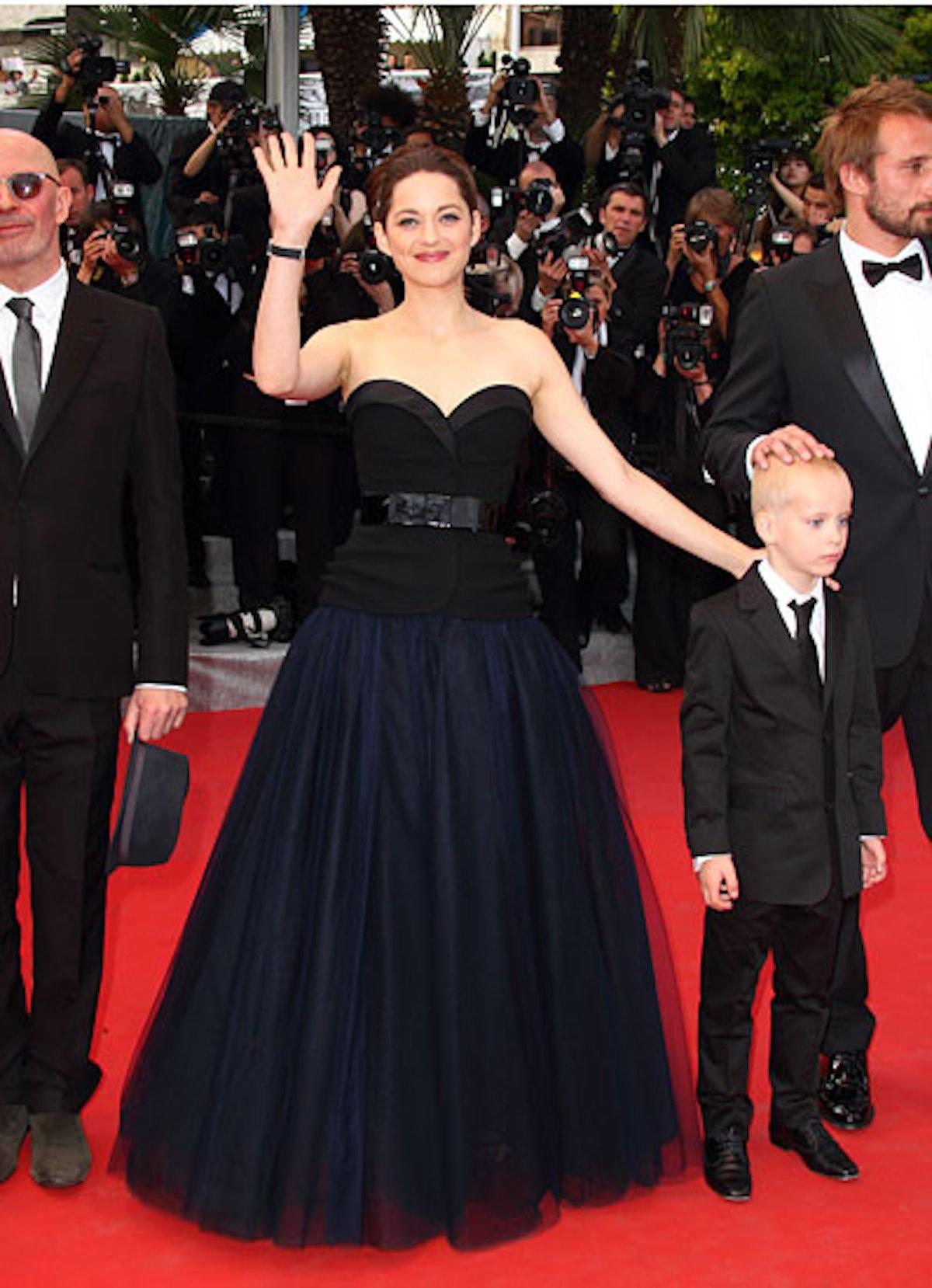 cess-marion-cotillard-best-red-carpet-looks-04-v.jpg