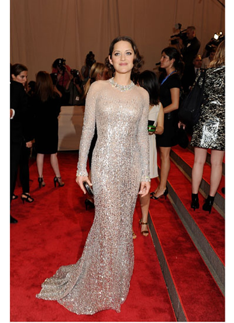 cess-marion-cotillard-best-red-carpet-looks-13-v.jpg