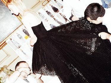 fass-giambattista-valli-spring-2013-couture-backstage-02-h.jpg