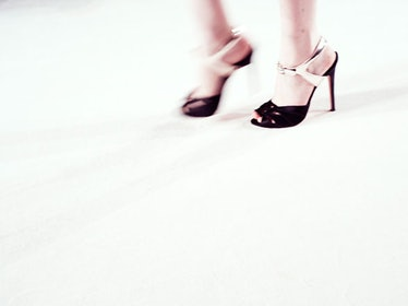 fass-giambattista-valli-spring-2013-couture-backstage-05-h.jpg