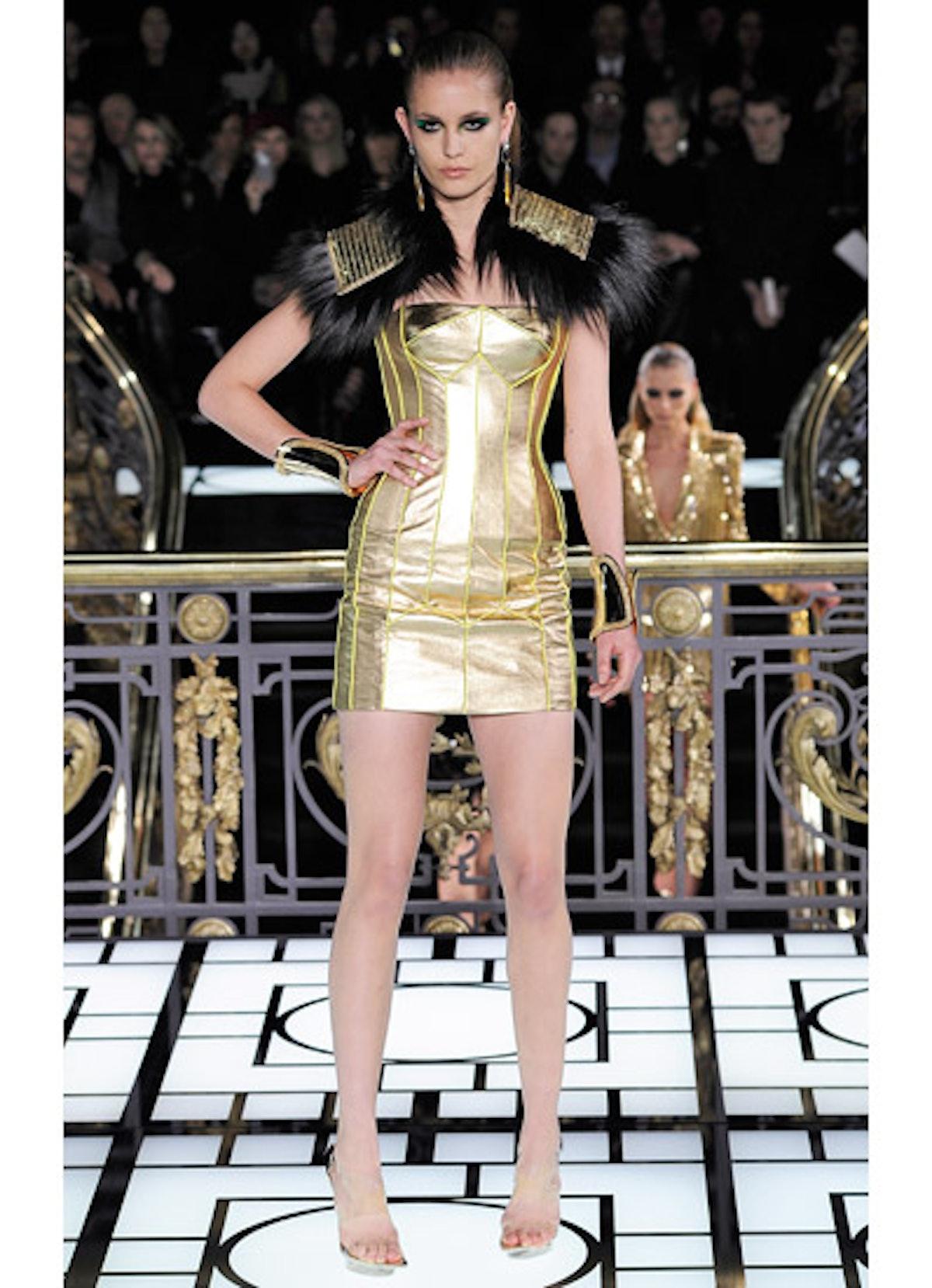 fass-atelier-versace-spring-2013-runway-20-v.jpg