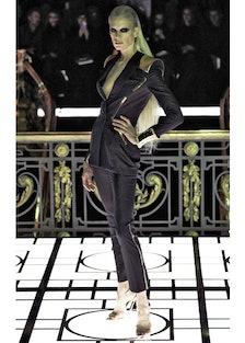 fass-atelier-versace-spring-2013-runway-01-v.jpg