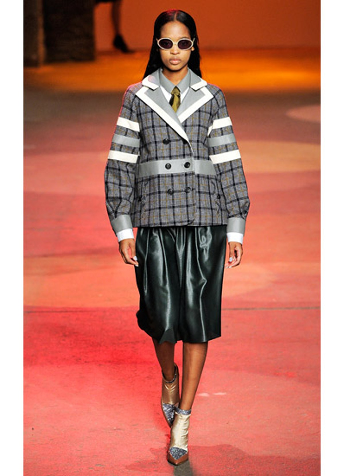 fass-creatures-of-the-wind-fall-2013-runway-07-v.jpg