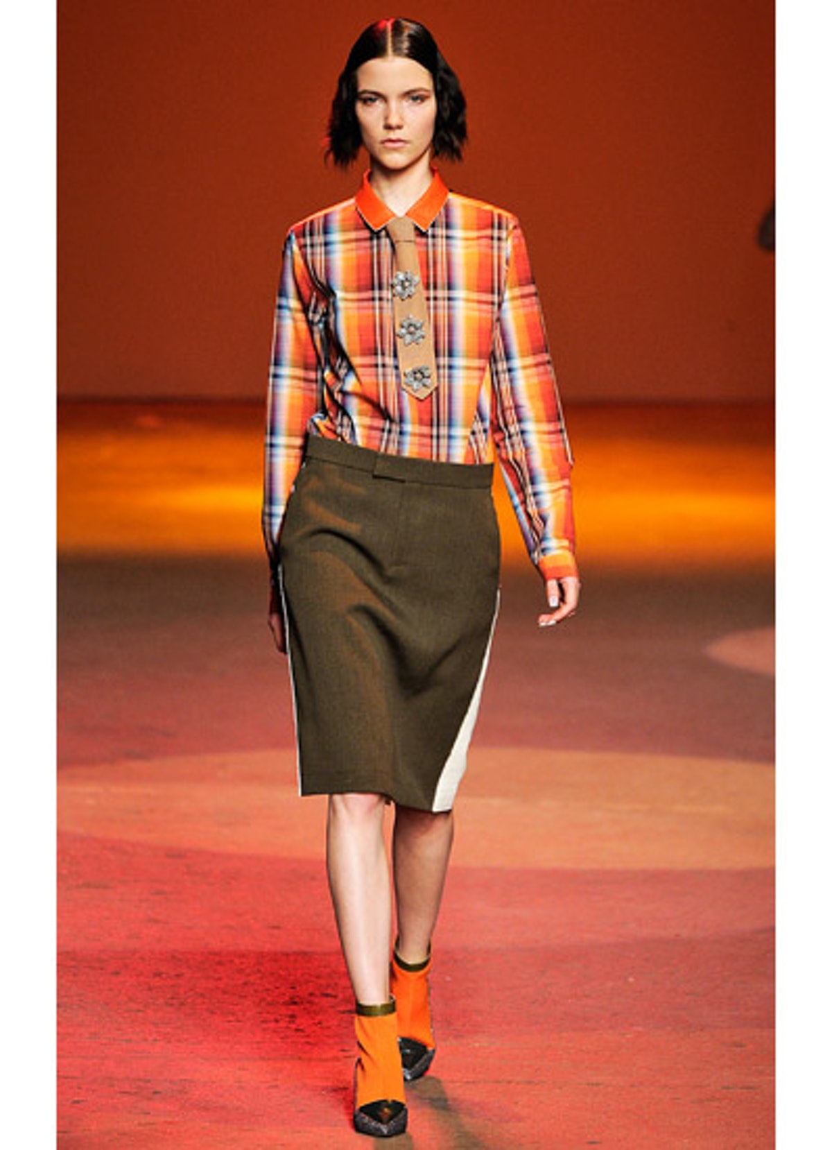 fass-creatures-of-the-wind-fall-2013-runway-19-v.jpg