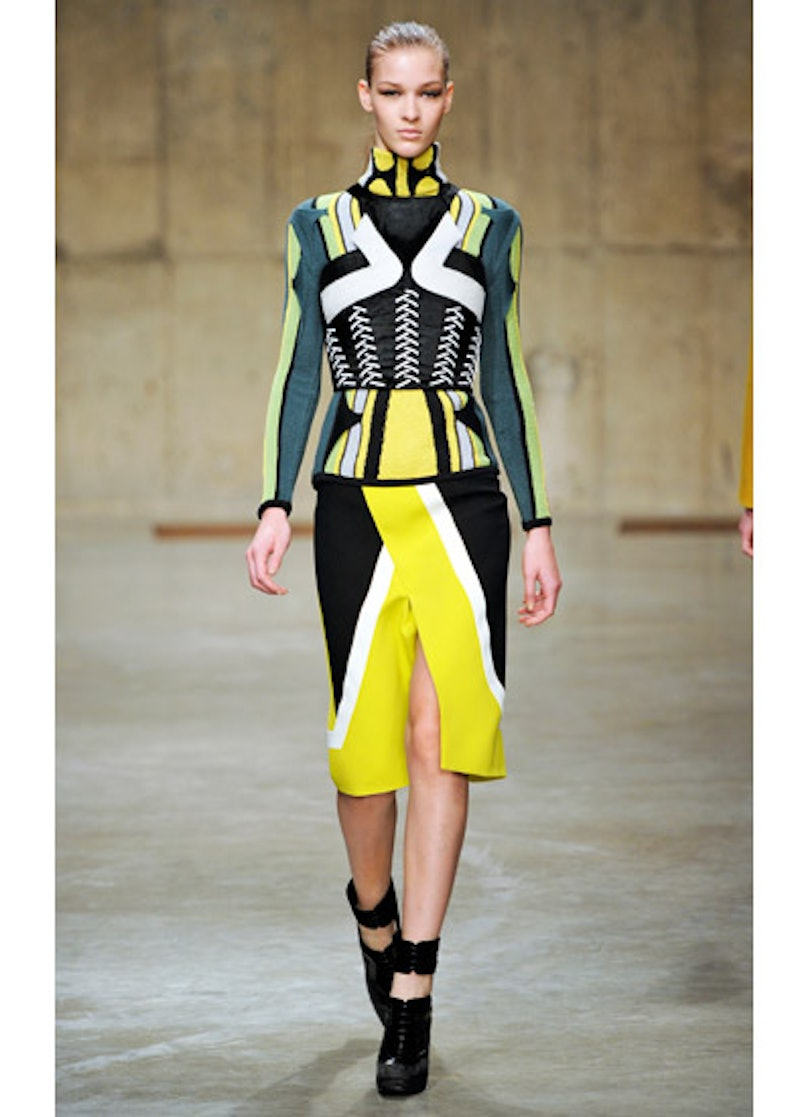 fass-peter-pilotto-fall-2013-runway-07-v.jpg