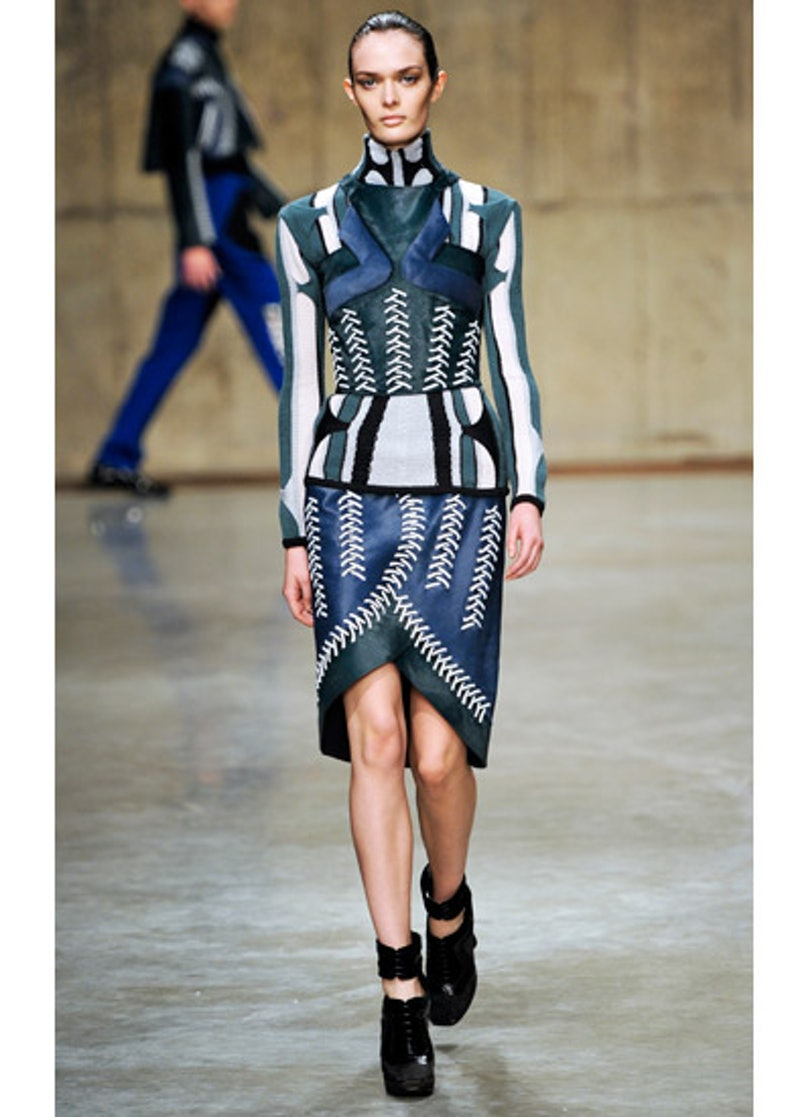 fass-peter-pilotto-fall-2013-runway-08-v.jpg