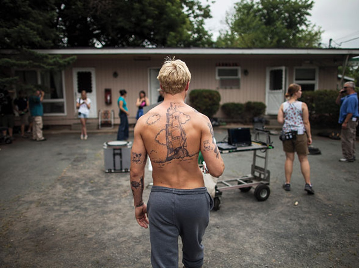 cess-on-set-the-place-beyond-the-pines-ryan-gosling-01-h.jpg