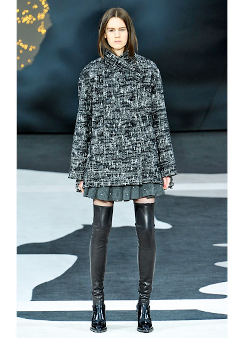 fass-chanel-fall-2013-runway-05-v.jpg
