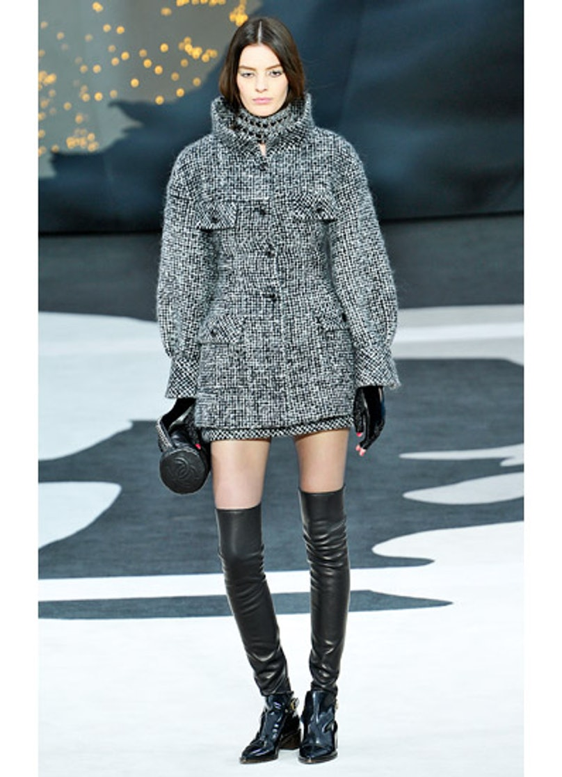 fass-chanel-fall-2013-runway-06-v.jpg