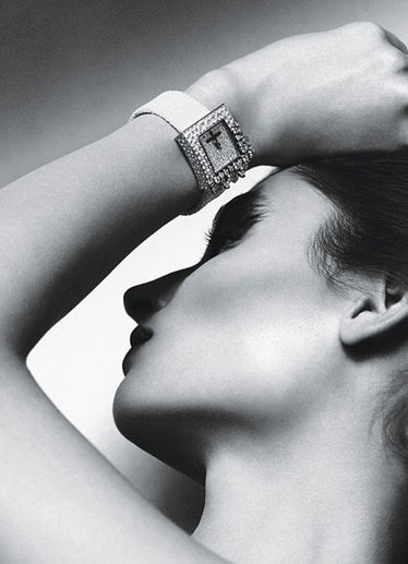 acss-claudias-jewelry-box-05-v.jpg