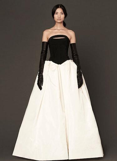 fass-wedding-dress-06-v.jpg