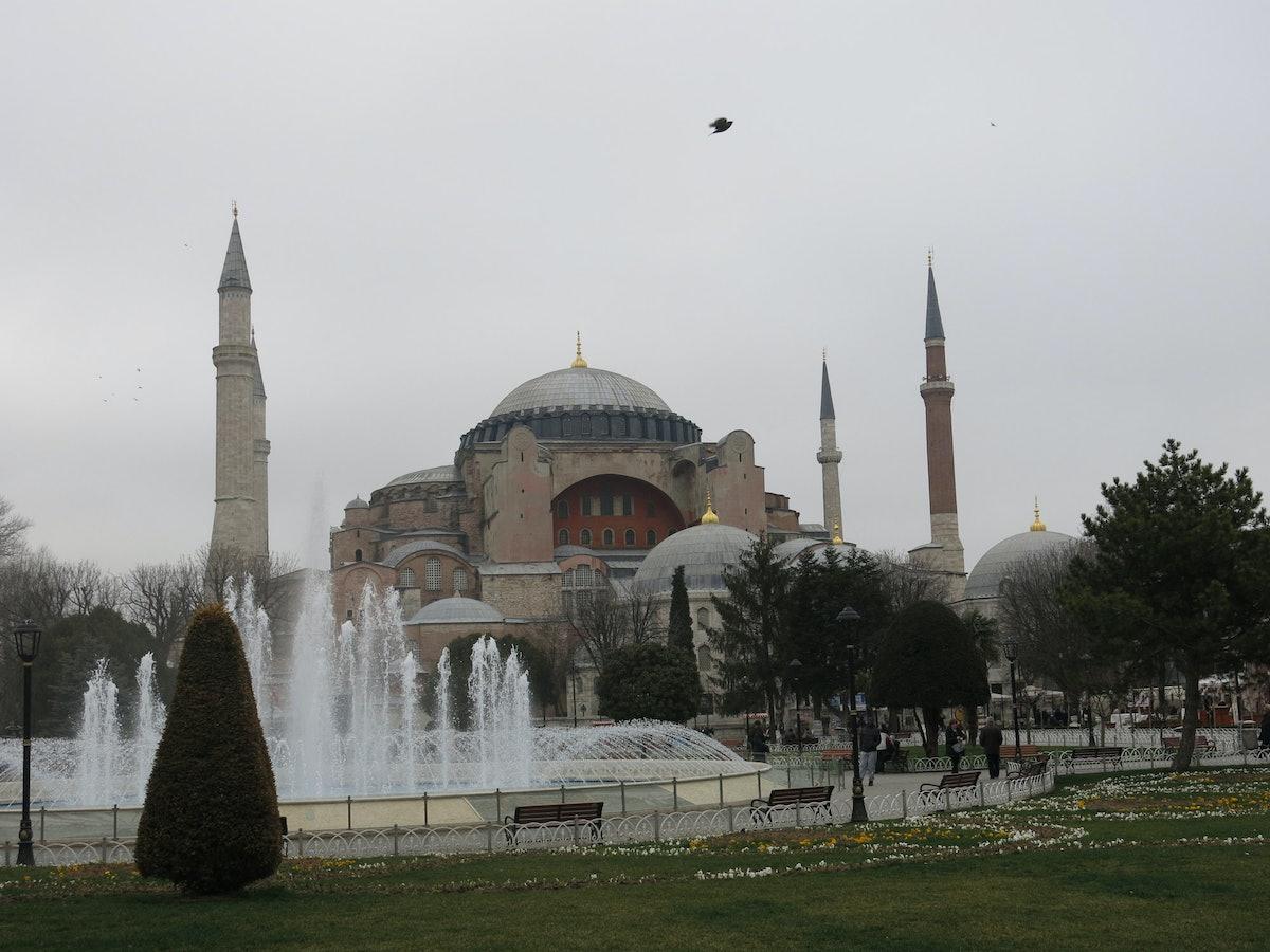 trar-Istanbul-AgaSophia-01