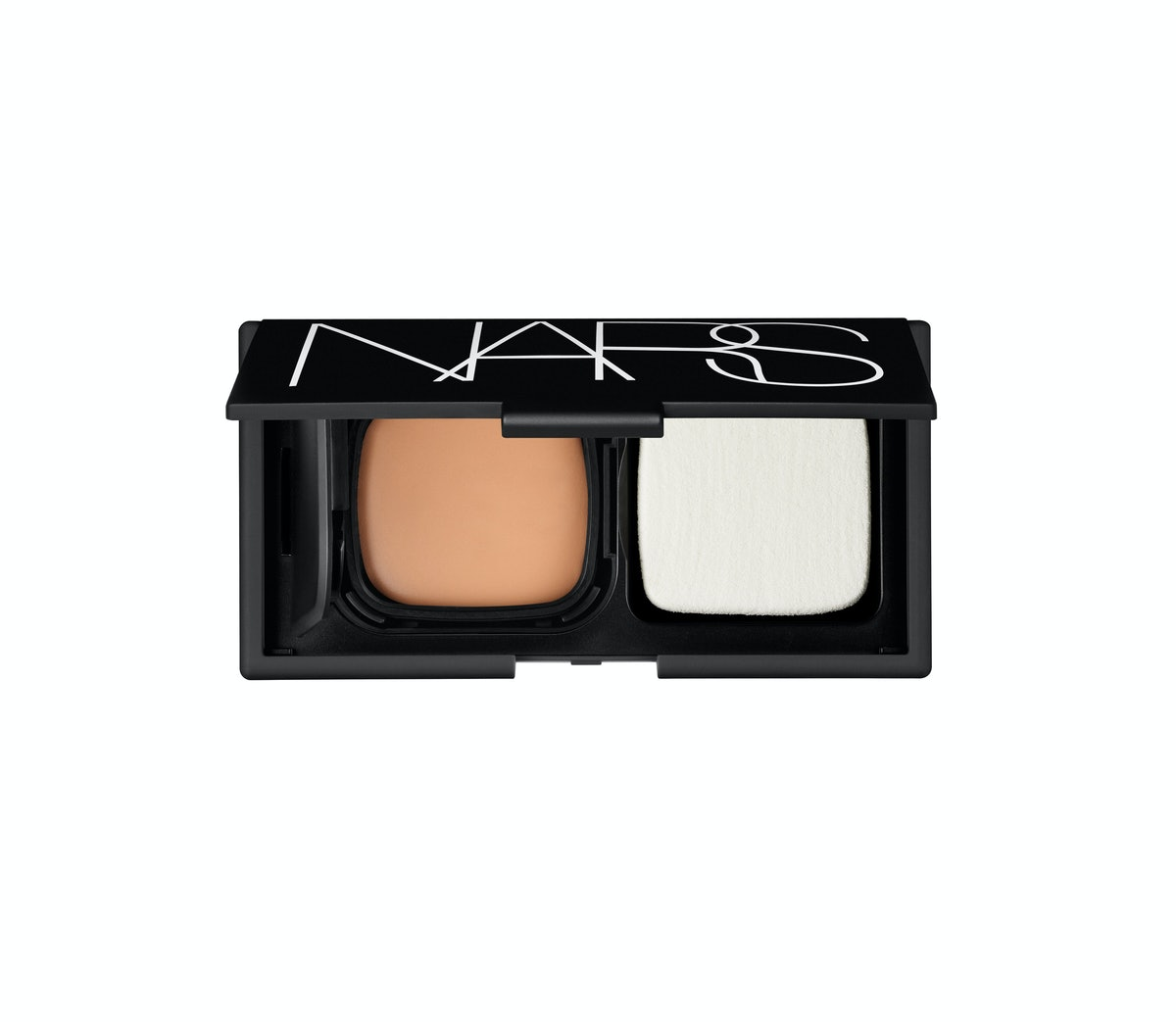 bess-green-eye-makeup-look-04