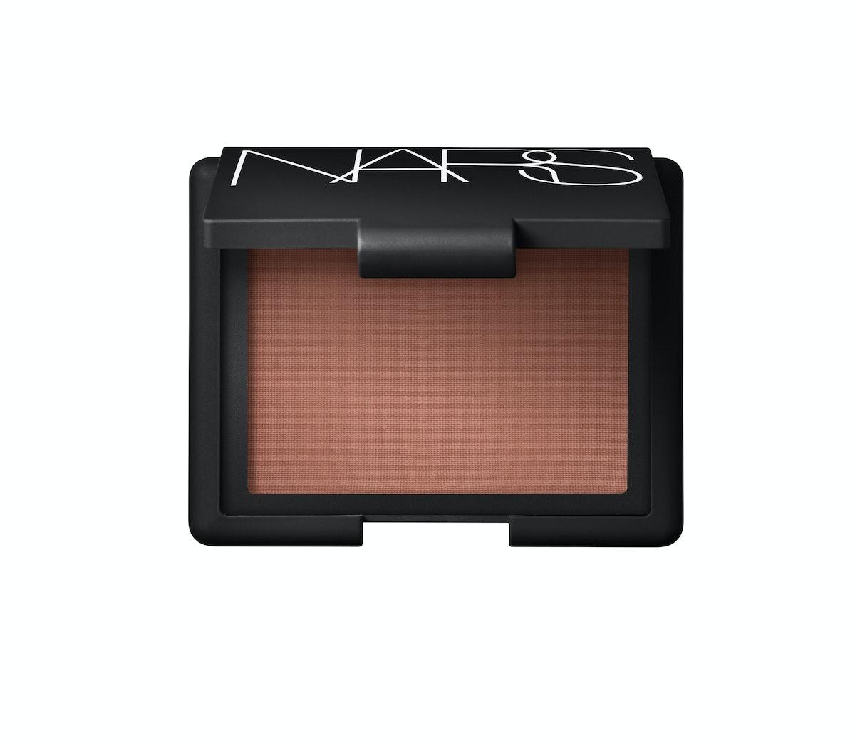 bess-green-eye-makeup-look-05