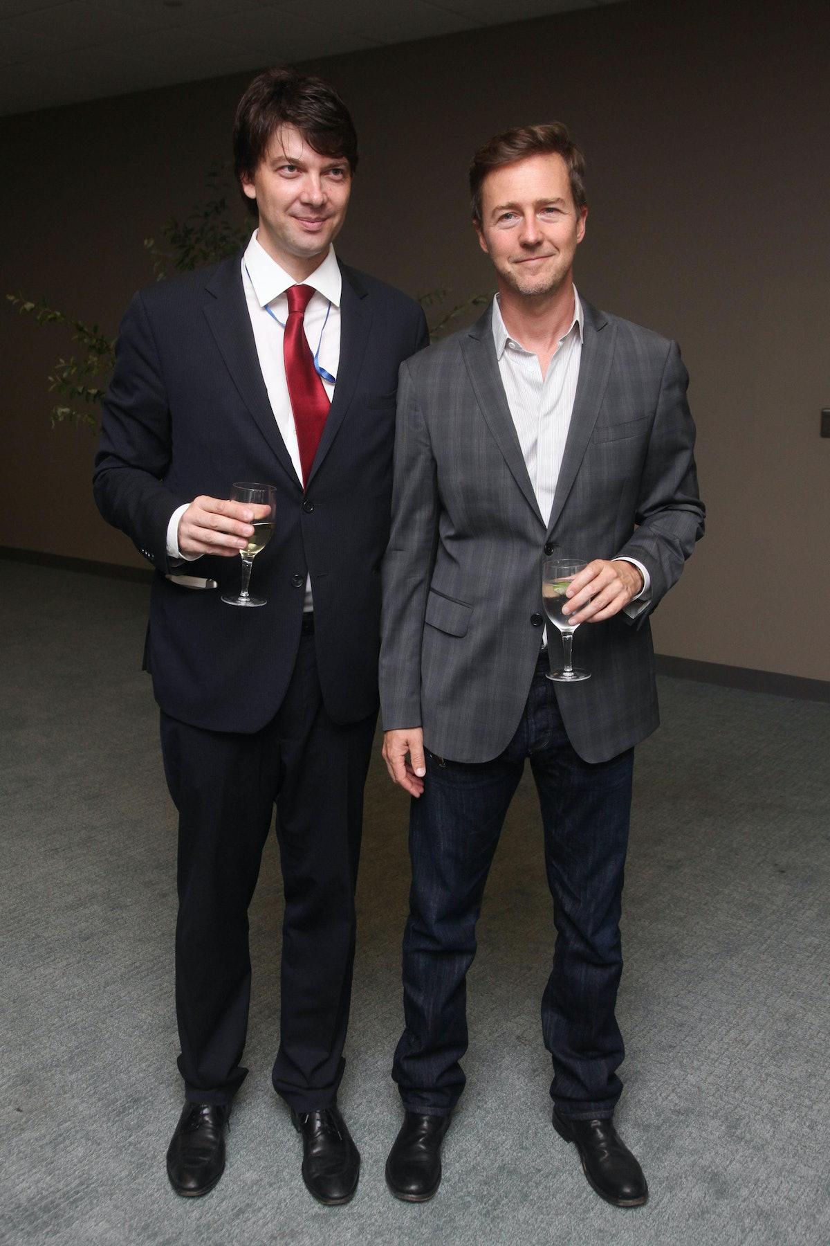 Edward Norton (right)