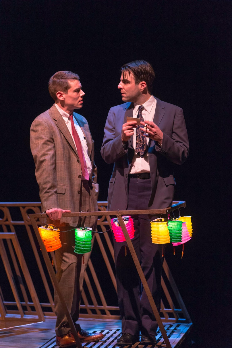 zachary-quinto-the-glass-menagerie-stage-05