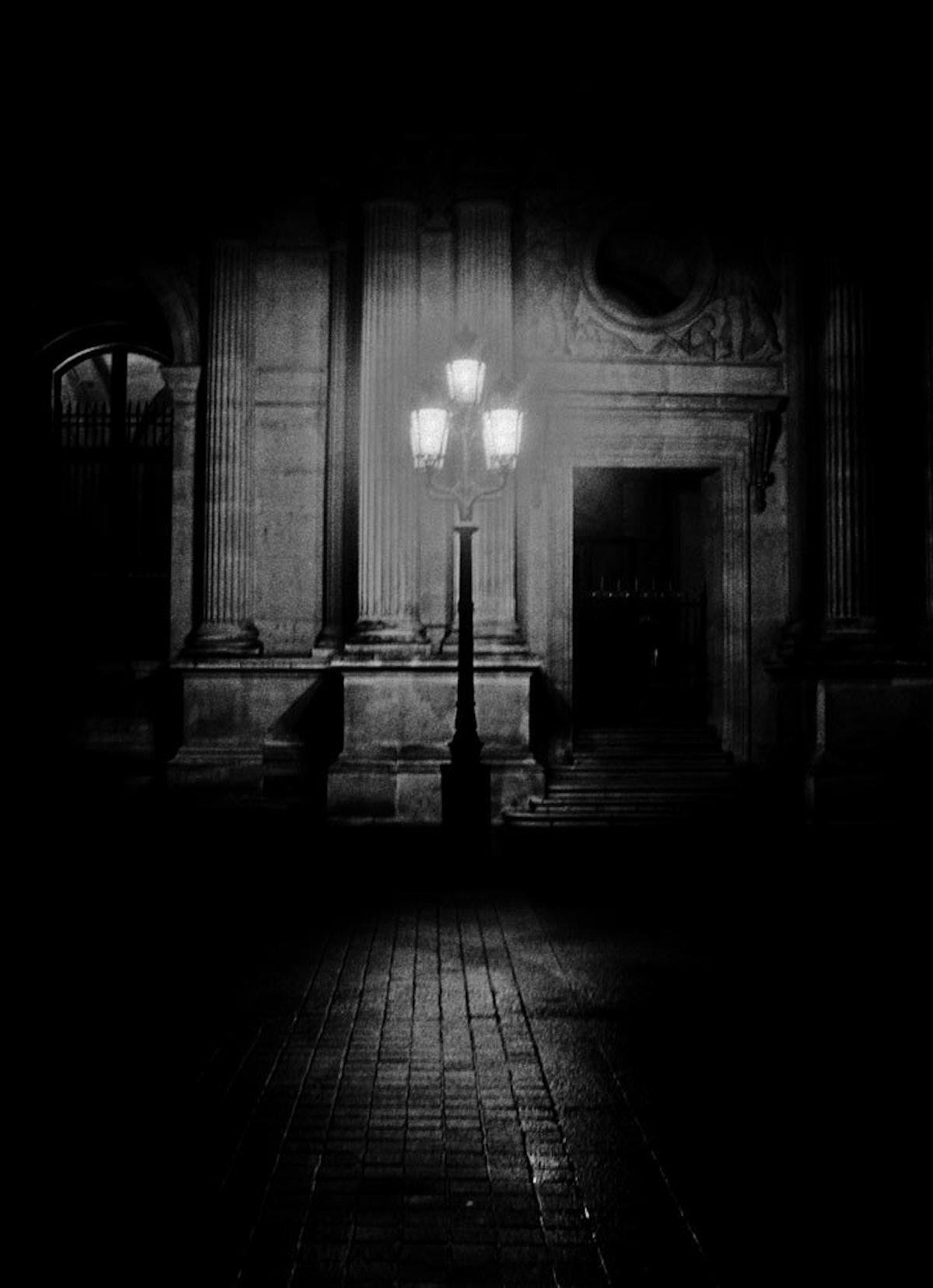 Erik-Madigan-Heck,-Paris-Streetlamps