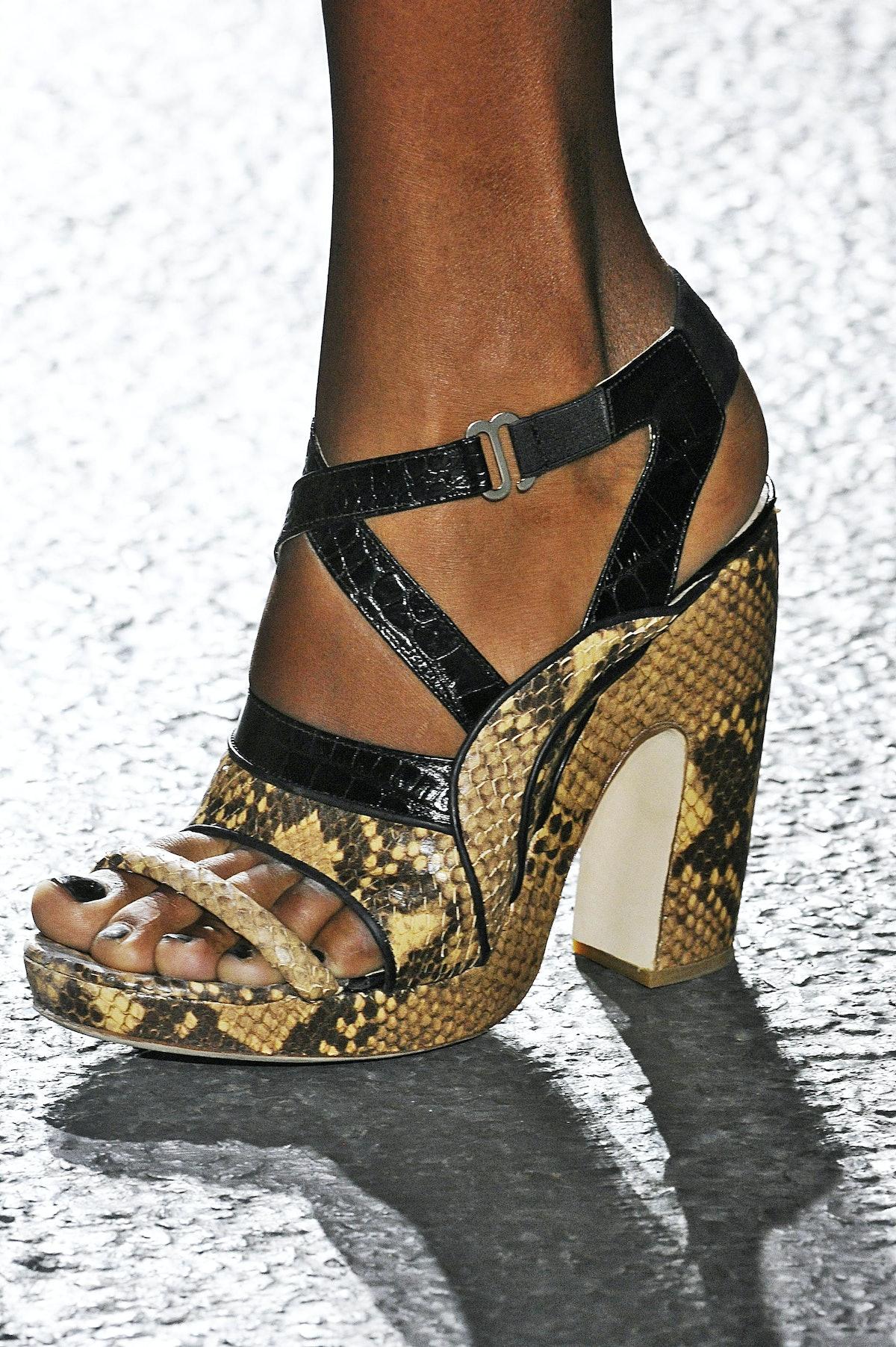 dries-van-noten-spring-2014-shoes