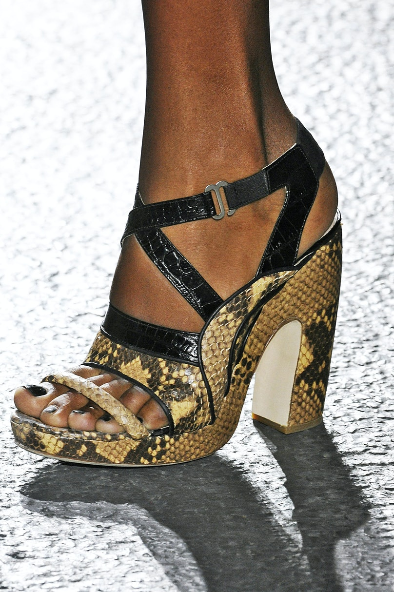 dries-van-noten-spring-2014-shoes